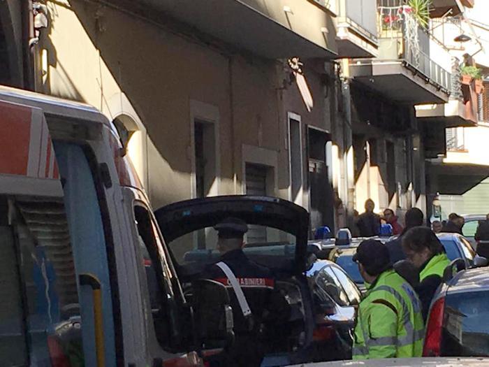 Strage familiare a Paternò: uccide la moglie,  i 2 figli  e poi si toglie la vita