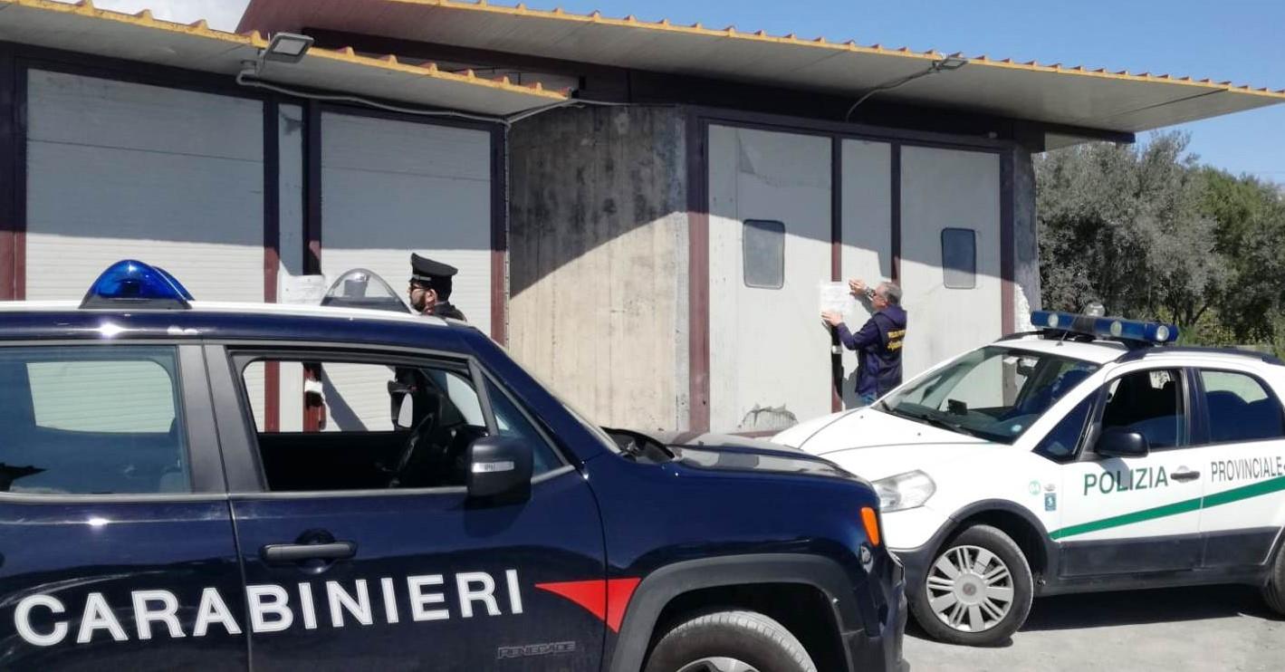 Pedara, meccanico e carrozziere abusivo: denunciato sessantenne