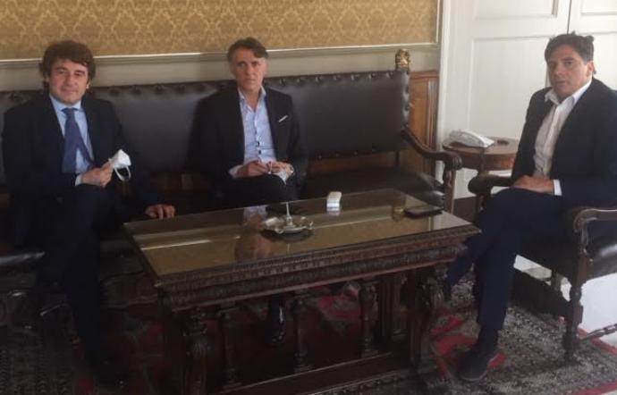 """Il sindaco incontra la cordata che vuole acquisire il Catania Calcio: """"Fallimento? Offesa alla città"""""""