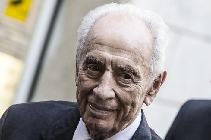 Istraele è col fiato sospeso,  Shimon Peres colpito da un ictus