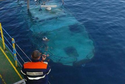 Agrigento: peschereccio affonda a largo di Lampedusa, marittimo disperso