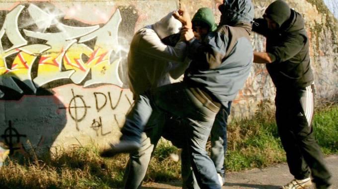 Scazzottate a Monreale, la polizia arresta cinque persone