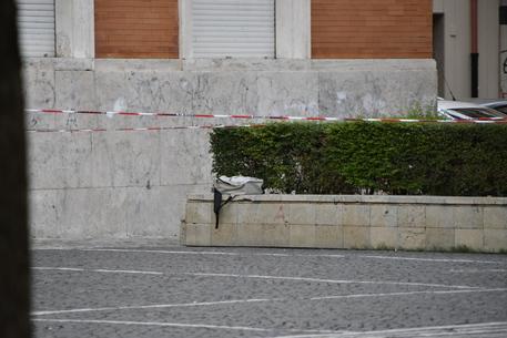 Zaino con petardi lasciato davanti al municipio di Crotone