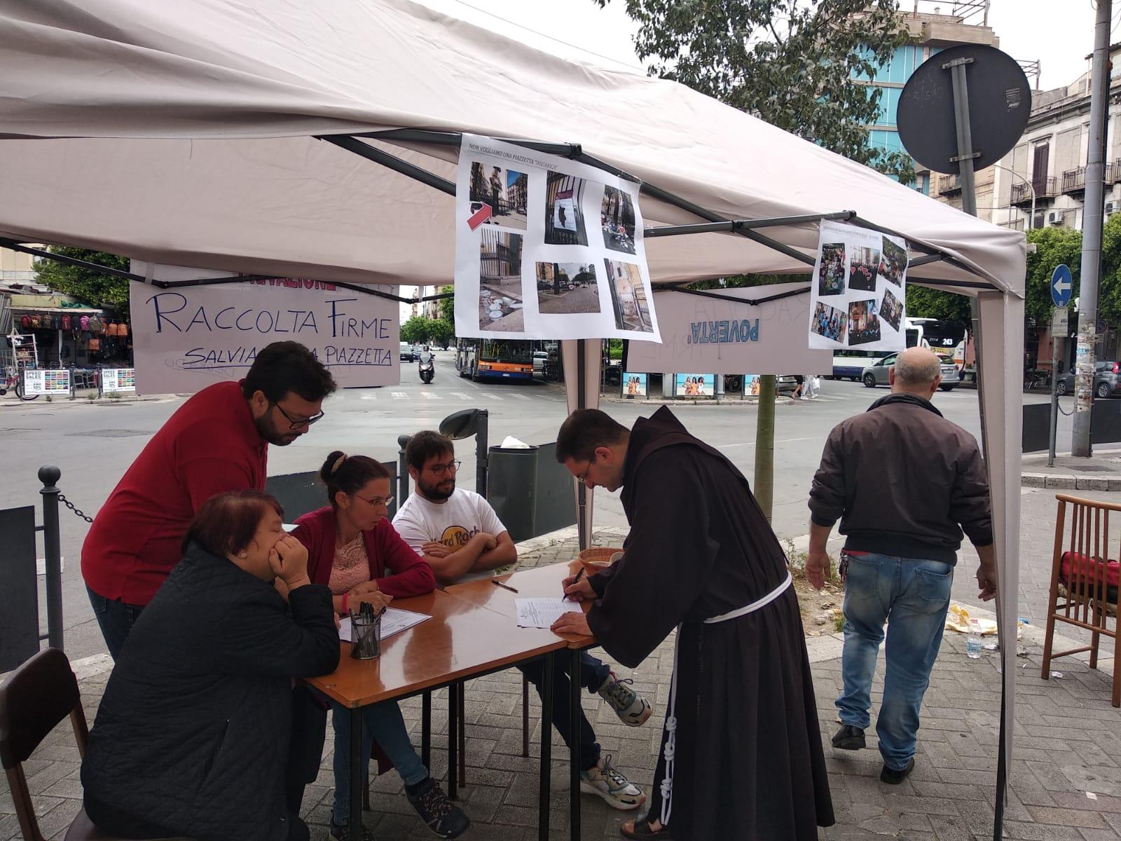 Palermo, degrado davanti la Chiesa di Sant'Antonio: prete avvia petizione