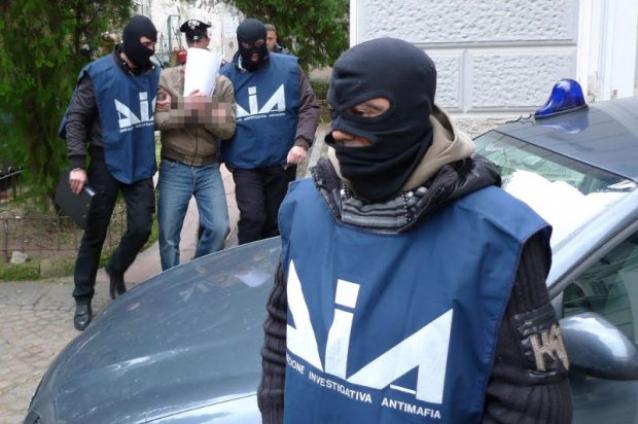 'Petrolmafie Spa', 56 arresti e 15 fermi: in carcere pure vedova petroliere
