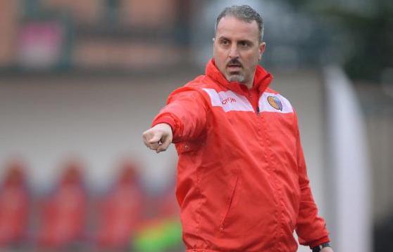 Si è dimesso il tecnico del Catania Mario Petrone, la squadra affidata a Pulvirenti