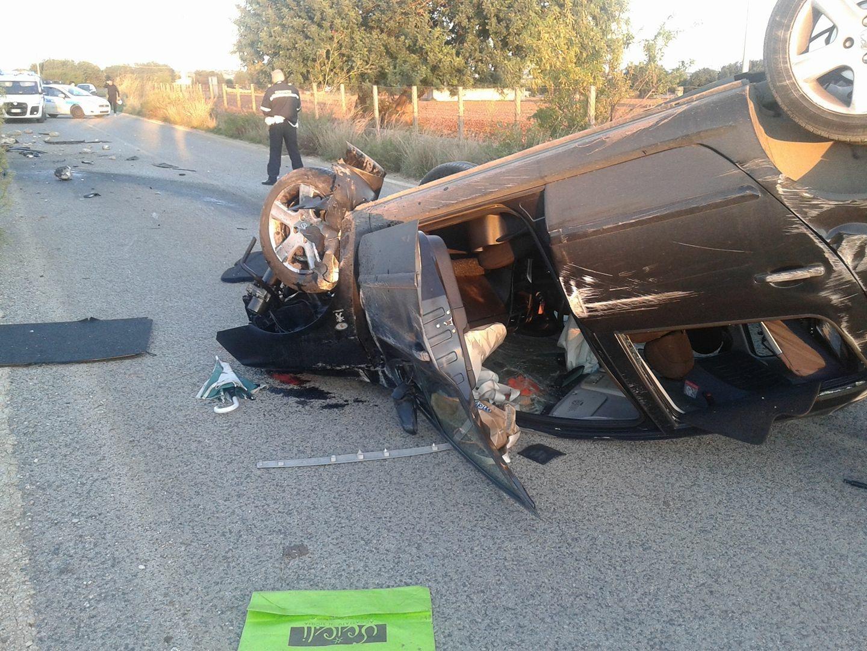 Auto si ribalta sulla Scicli - Donnalucata: tre feriti, contusi due bambini