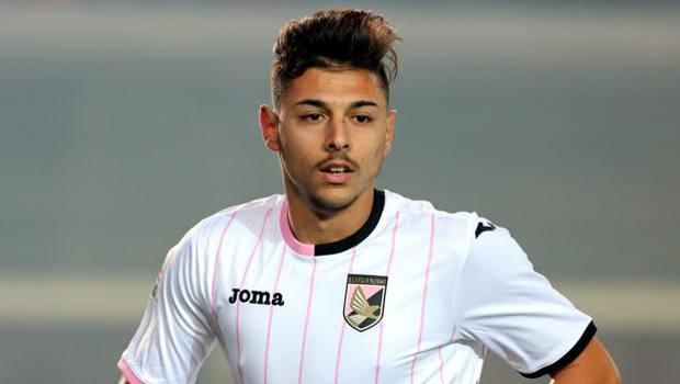 Junior Tim Cup, a Palermo incontro in oratorio tra i ragazzi e il calciatore Pezzella
