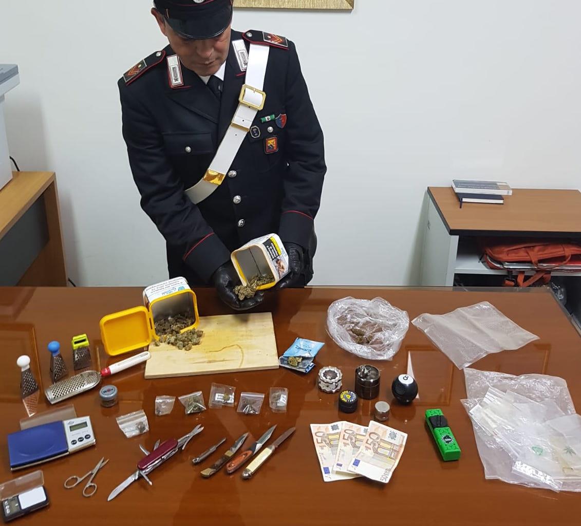 Coppia di Pozzallo sorpresa con droga da spacciare, arrestata