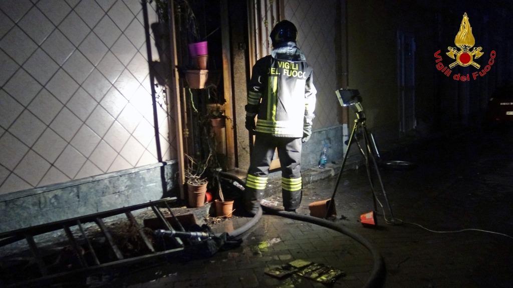 Incendio in un appartamento a Riposto: 70enne muore intossicato