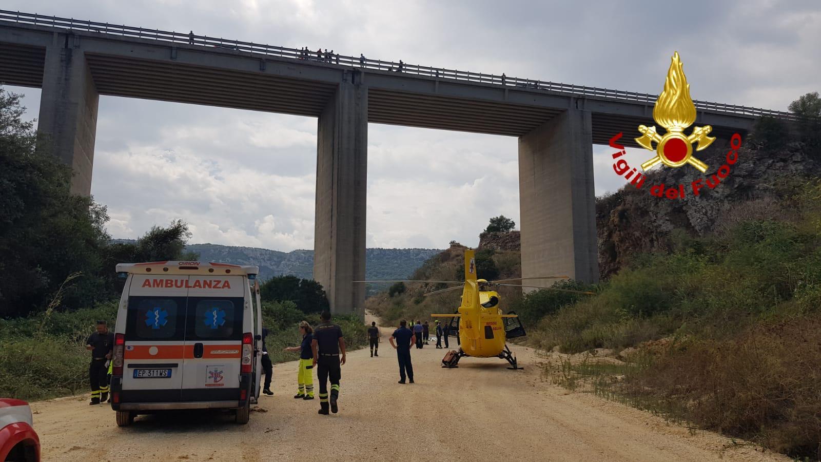 Priolo, vola da 40 metri da un cavalcavia: morto suicida all'età di 33 anni