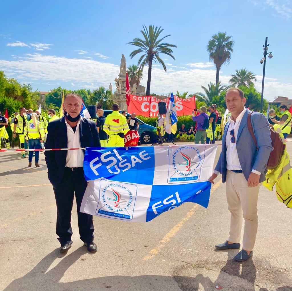 Sciopero dei lavoratori del 118, corteo davanti all'Ars