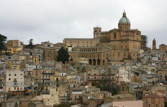 Fabbro ucciso a coltellate a Piazza Armerina: un fermato