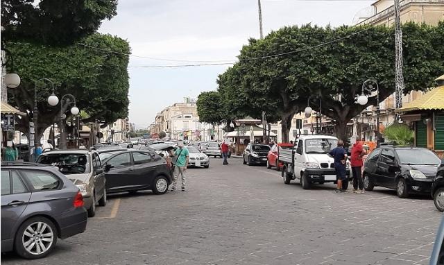 Siracusa, bloccato mentre tenta di dare fuoco a un chiosco in piazza Pancali