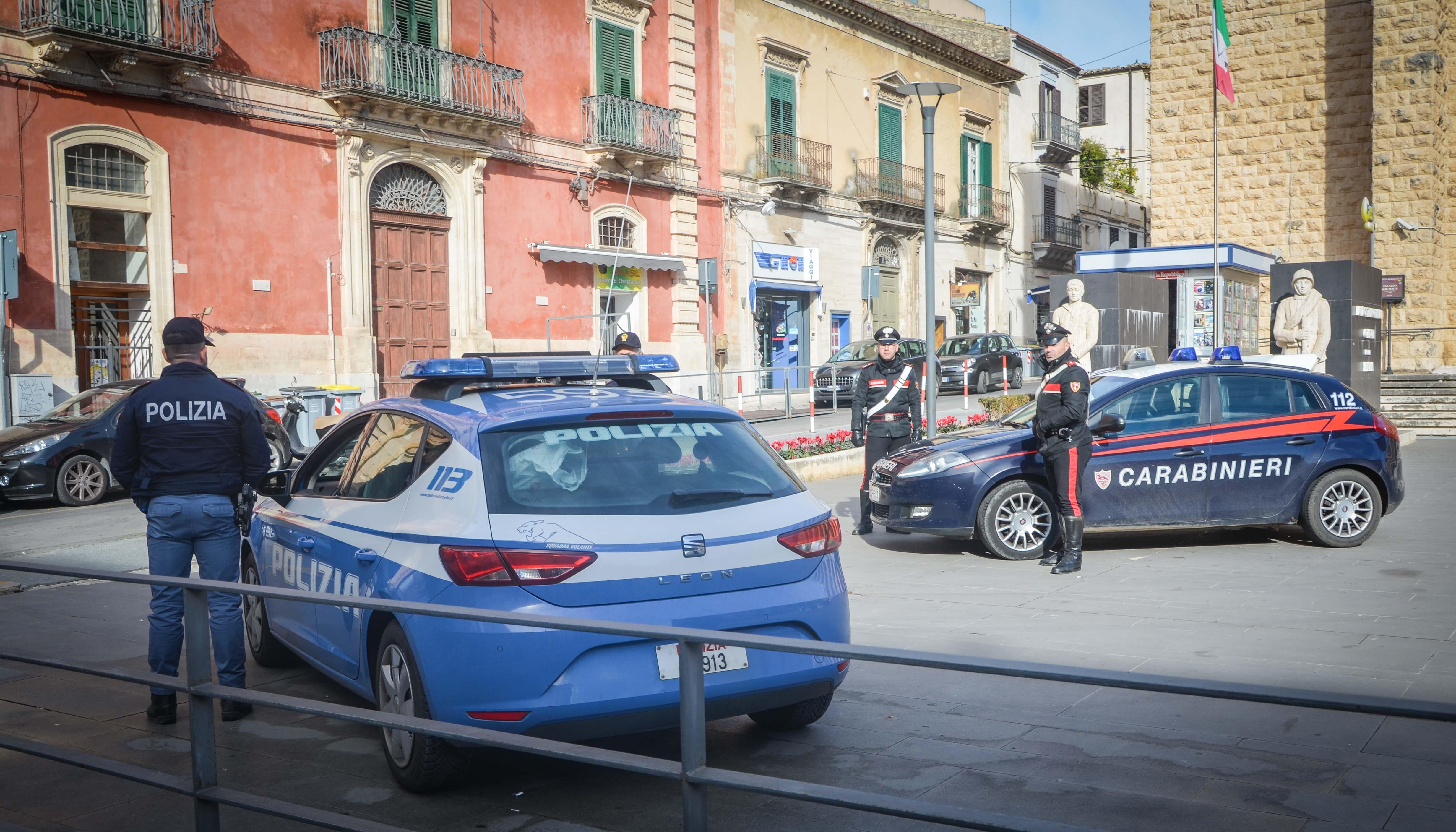 Ragusa, rissa a piazza delle Poste: due arresti per oltraggio