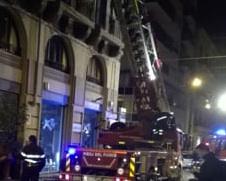 Palermo, fuoco in un appartamento in via Pilo: 3 persone intossicate