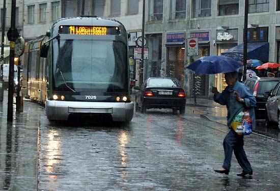 Pioggia a Milano e Roma, manna dal cielo contro lo smog