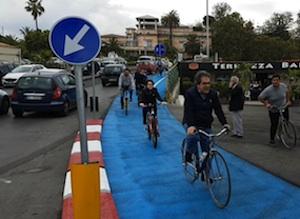 Catania, aperta la pista ciclabile al lungomare: in bici anche il sindaco