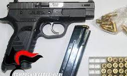 Bracciante di Palma di Montechiaro con una pistola:obbligo di dimora