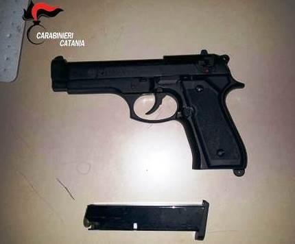 Nicolosi, arrestato per detenzione di arma clandestina e munizioni