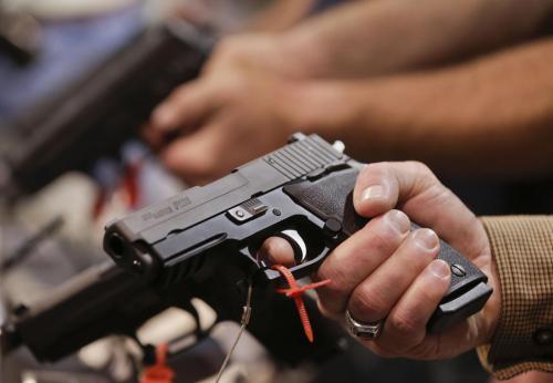 Armi: fabbrica di pistole in una stalla, niscemese in carcere