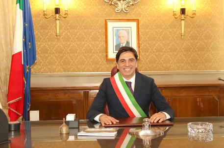 Al sindaco di Catania condannato per le spese pazze all'Ars la solidarietà del governatore