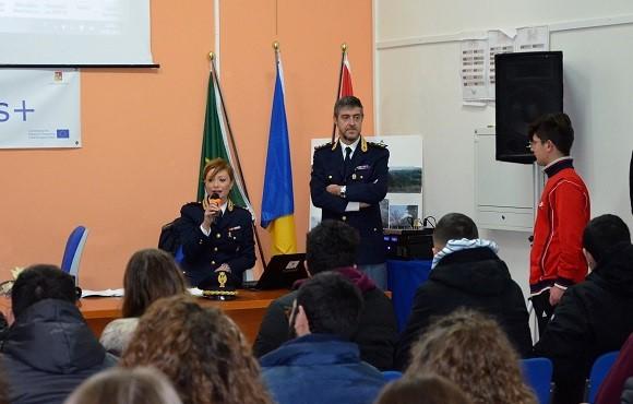 Legalità, la Polizia a colloquio con studenti di Modica e Vittoria