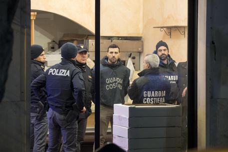 Ostia, aiutò le indagini sugli Spada: ordigno a casa