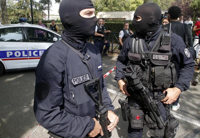 Francia, in nome di Allah uccide madre e sorella