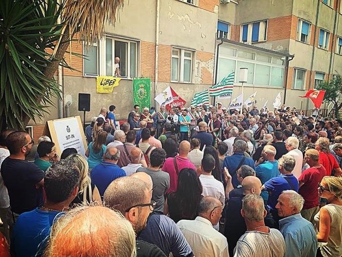 Sit-in all'ospedale di Polistena: no alla chiusura dei reparti