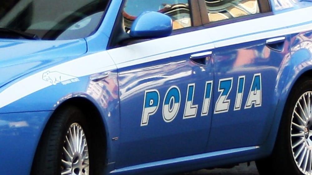 Catania, manda il figlio a lavorare per 2 euro l'ora: mamma denunciata