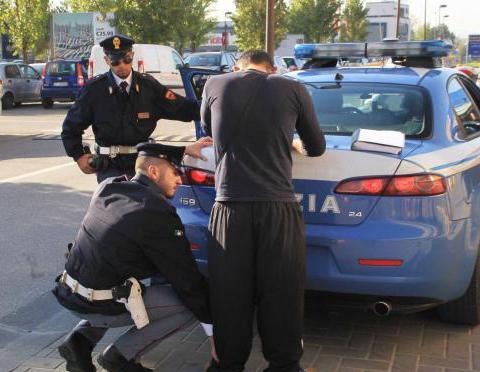 Minaccia danni alle auto, parcheggiatore preso a Palermo