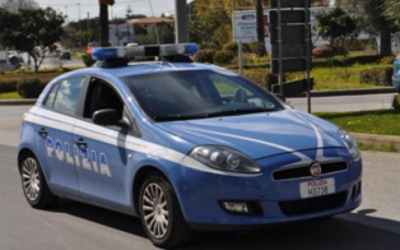 Modica, turista inglese aggredisce poliziotti e danneggia B&B: arrestato