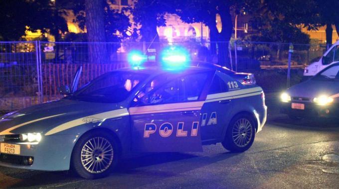 Vittoria, la Polizia sventa furto in un negozio e arresta due giovani