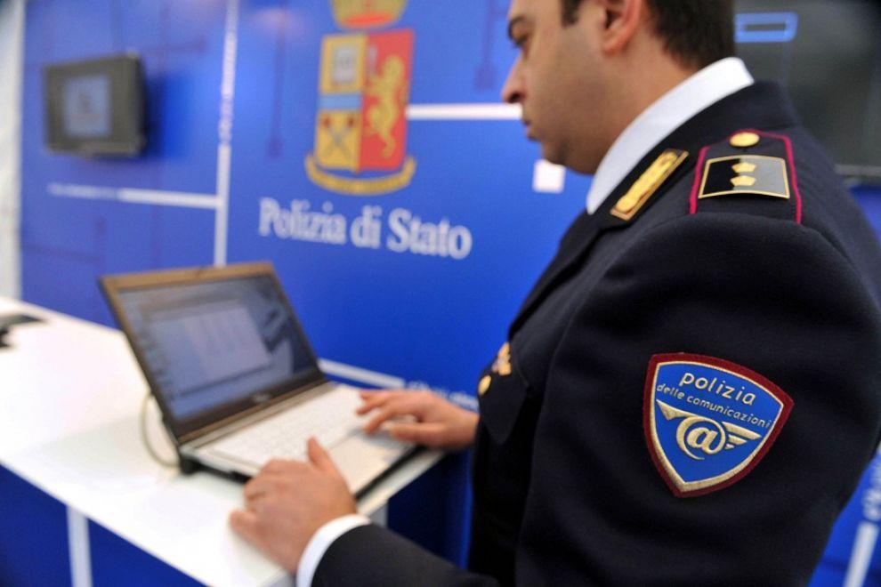 Catania, il bilancio di un anno di attività della Polizia Postale