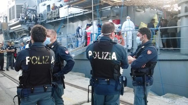 Migranti, Fratelli d'Italia: a Lampedusa forze dell'ordine allo stremo