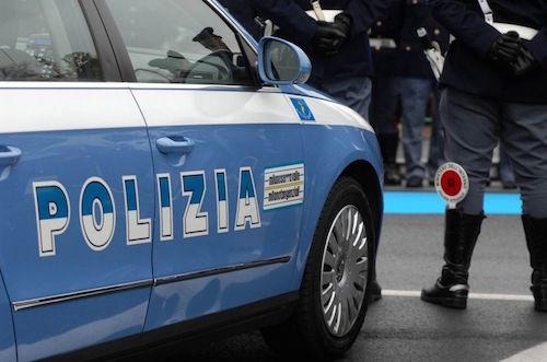 Catania, ubriaco entra in salumeria e aggredisce il titolare: arrestato