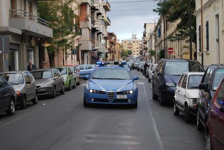 Blitz antidroga della polizia di Cosenza, otto misure cautelari