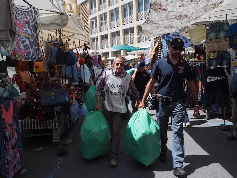 Controlli di merci nel Palermitano, denunce per abusivismo