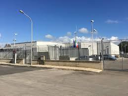 Viola quarantena per andare al Commissariato di Avola: denunciata
