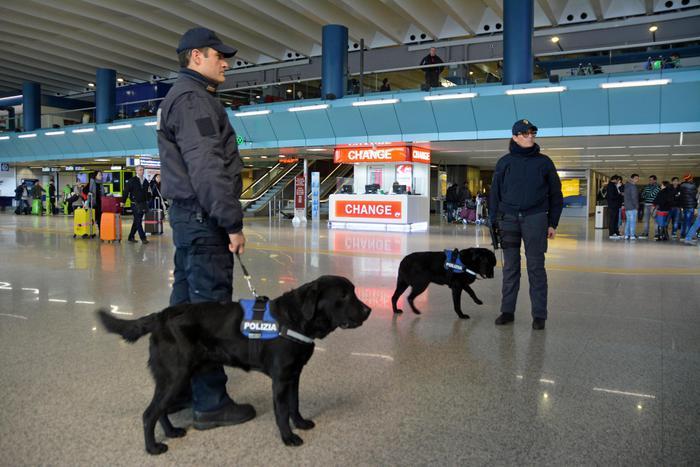 Terrorismo, perquisizioni nel Lazio: un arresto