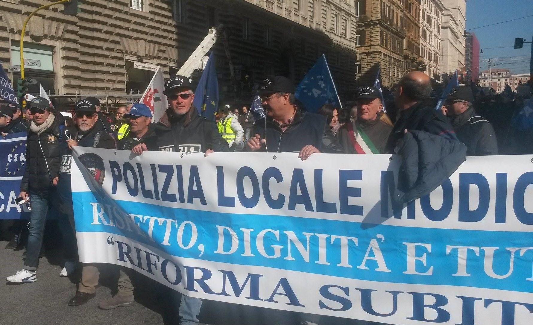 Delegazione della Polizia locale di Modica alla manifestazione di Roma