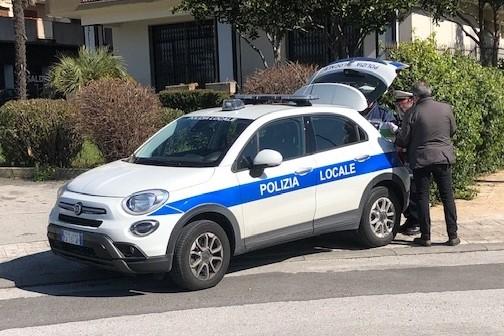 Modica, positivo al Covid andava in giro: denunciato dalla Polizia locale
