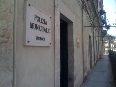 Bullismo a Modica, aggredirono e chiesero soldi a coetanei: segnalati
