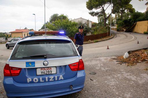 Colpi di pistola contro un'auto in campagna a Monreale