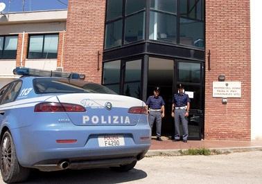 Noto, viene accoltellato alla nuca dietro il municipio: arrestato