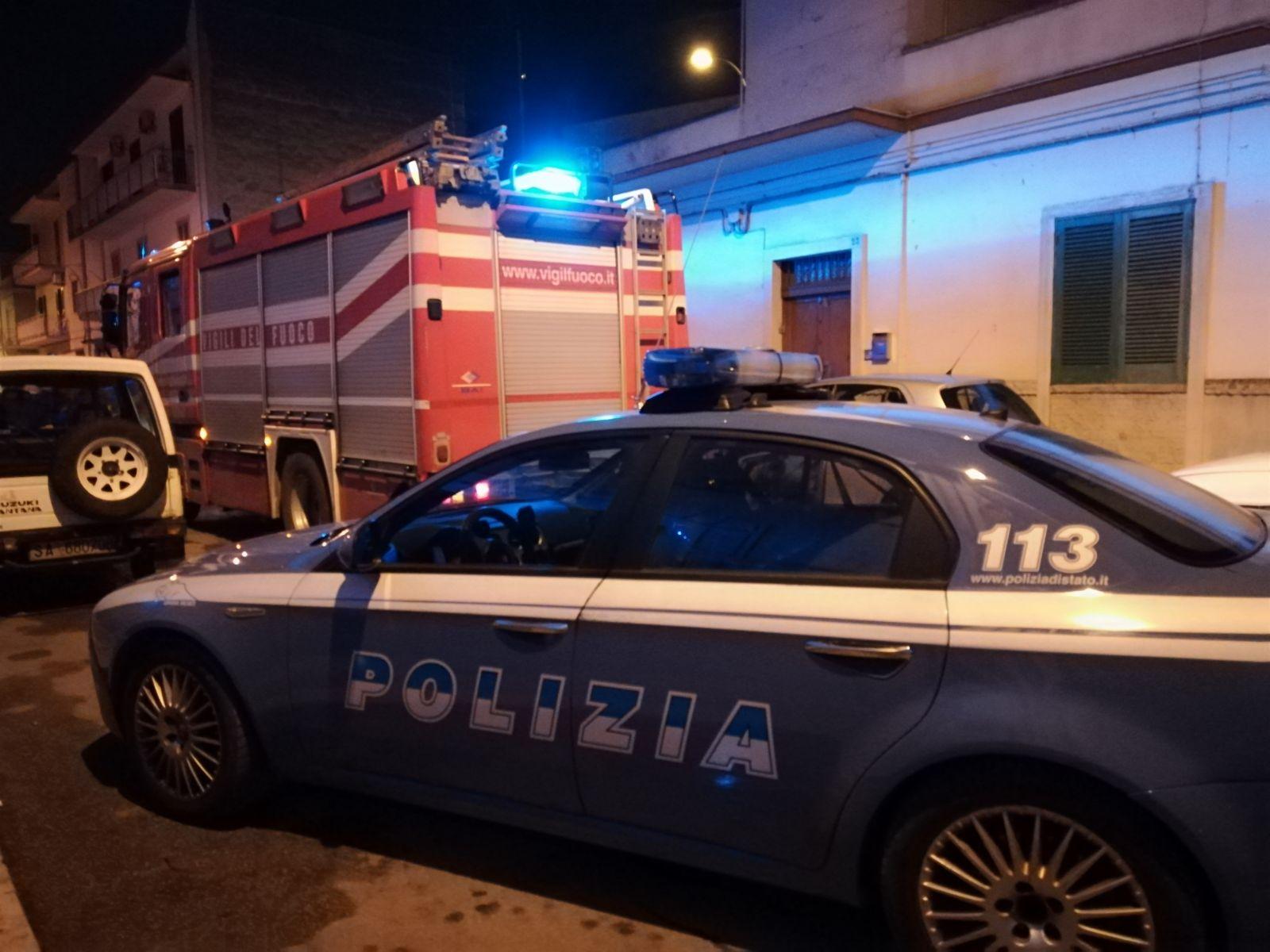 Incendi, auto in fiamme a Siracusa: interviene anche la polizia