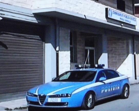 Priolo, fermato a un controllo  oltraggia i poliziotti: denunciato