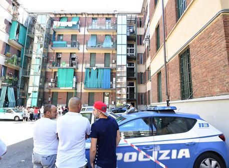 Salerno, ammazzato in strada a colpi di pistola: al vaglio tutte le piste