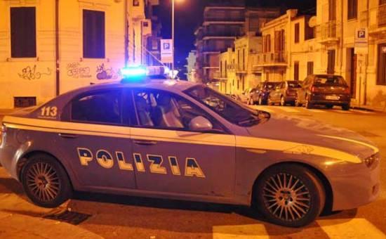 Siracusa, fugge e poi tampona l'auto della polizia: denunciato